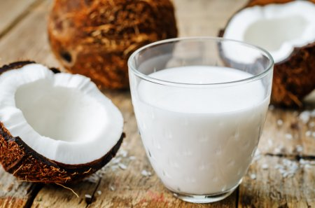 depositphotos_81539344-stock-photo-coconut-milk-and-coconuts