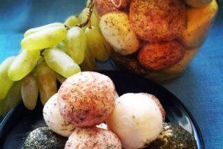Шевр со специями в оливковом масле
